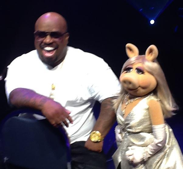 1000th Post Weekly Muppet Wednesdays Miss Piggy: Muppets And CeeLo Green Happen In Vegas