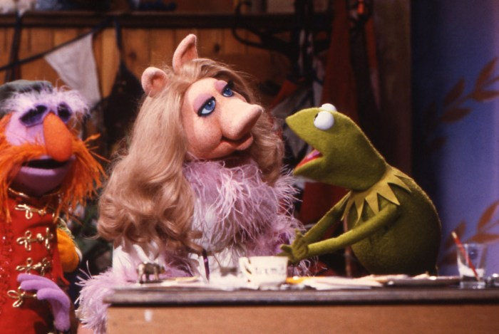 Kermit yells at Piggy