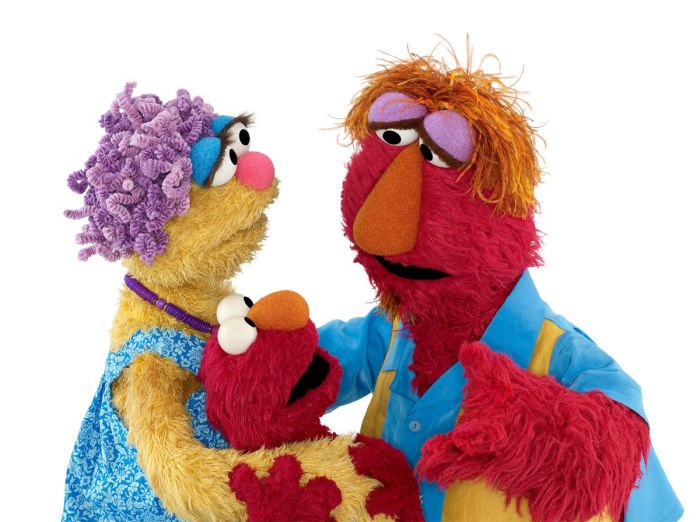 Elmo_and_his_parents