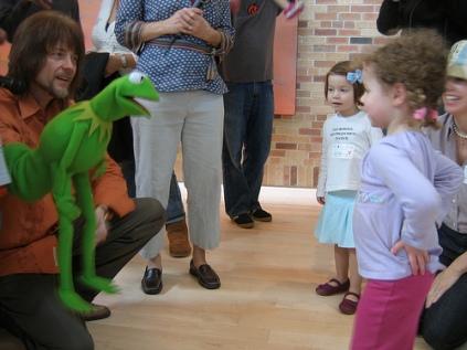 Steve and Kermit meet a little girl