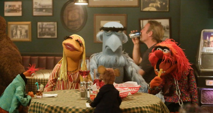 """THE MUPPETS - """"Pig Out""""- The gang has an epic night out when they run into Ed Helms at Rowlf's Tavern and they all perform their favorite karaoke jams, but Kermit is not pleased when no one shows up to work the next day. Meanwhile, Fozzie has an unfortunate accident during the show, on """"The Muppets,"""" TUESDAY, OCTOBER 13 (8:00-8:30 p.m., ET) on the ABC Television Network. (ABC/Nicole Wilder) PEPE THE KING PRAWN, JANICE, RIZZO, SAM THE EAGLE, ANIMAL"""