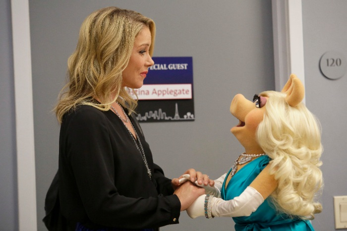 CHRISTINA APPLEGATE, MISS PIGGY