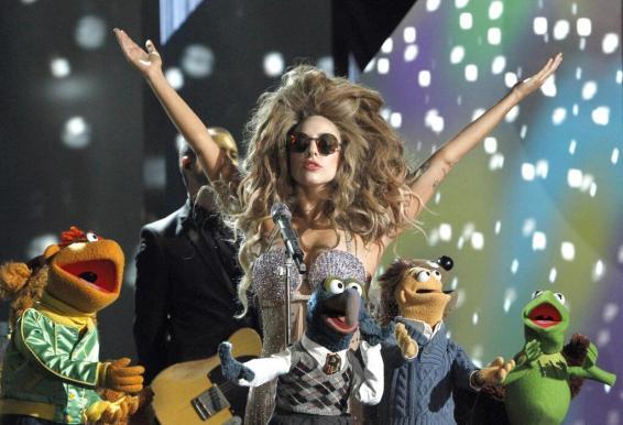 Lady_Gaga_Holiday_Spectacular_01