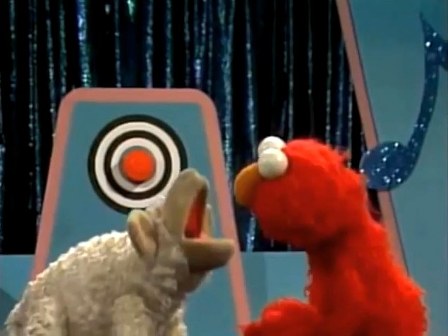 Muppet Retro Reviews Elmo S Sing Along Guessing Gameicha The Muppet Mindset
