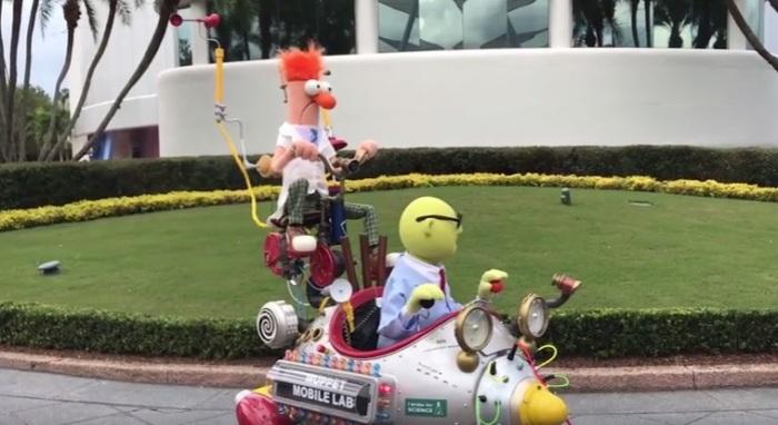 bunsen-beaker-muppet-mobile-labs