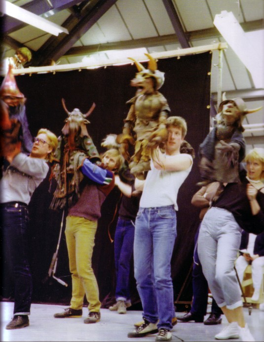 rehearsing-puppeteers