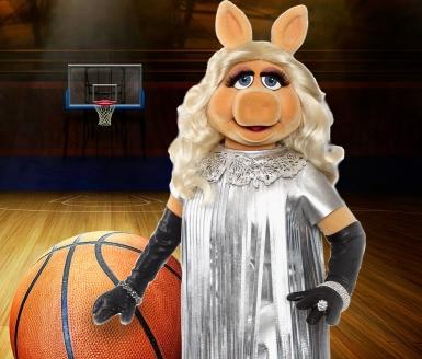 Miss Piggy Basketball