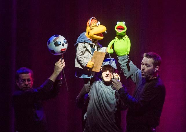 Muppets-Take-The-O2-O2-Act-ll-244