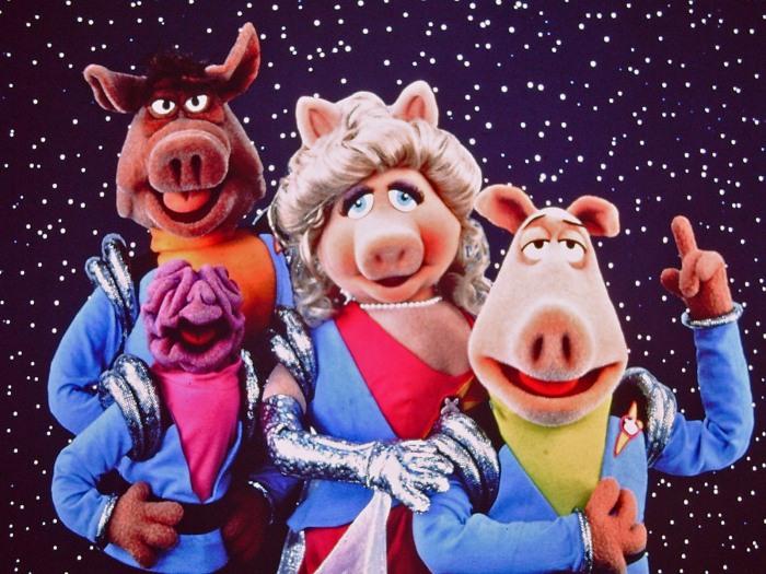 Pigs_in_Space_Deep_Dish_Nine.jpg